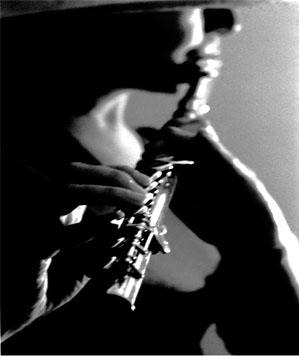 El Violinista Ansioso Y La Flautista Solista Estherrivas